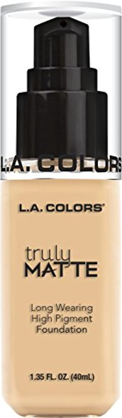 乱気流追うどれL.A. COLORS Truly Matte Foundation - Porcelain (並行輸入品)