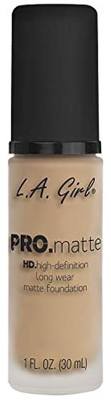神学校欺パブL.A. GIRL Pro Matte Foundation - Nude (並行輸入品)