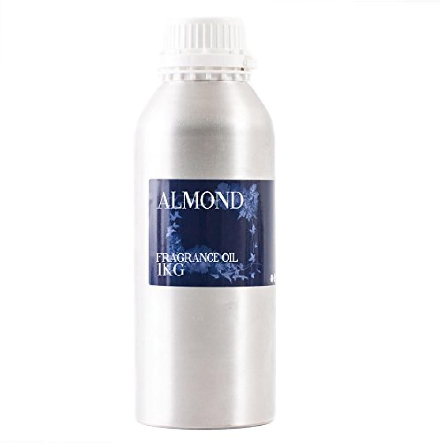 断片シロナガスクジラ帝国Mystic Moments | Almond Fragrance Oil - 1Kg