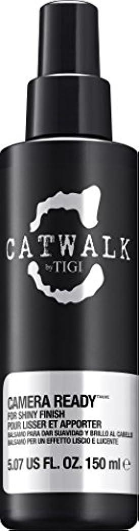 浪費十分ポットby Tigi CAMERA READY SHINE SPRAY 5.07 OZ by CATWALK