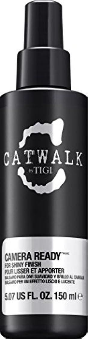 弁護人ヨーロッパなだめるby Tigi CAMERA READY SHINE SPRAY 5.07 OZ by CATWALK