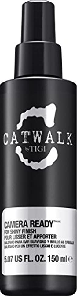 再現する曖昧なお気に入りby Tigi CAMERA READY SHINE SPRAY 5.07 OZ by CATWALK