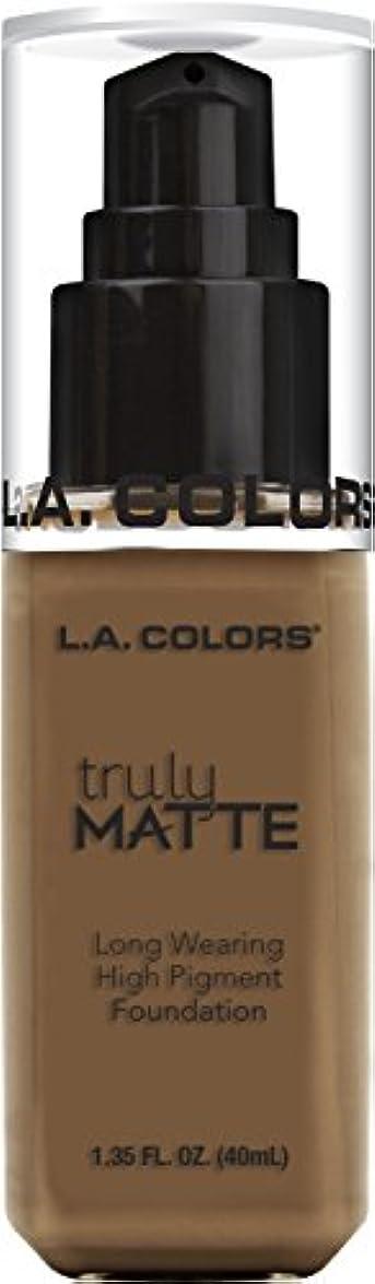 落ち着いたボリューム乏しいL.A. COLORS Truly Matte Foundation - Cappuccino (並行輸入品)