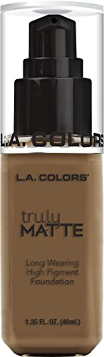 過言出くわす理由L.A. COLORS Truly Matte Foundation - Cappuccino (並行輸入品)