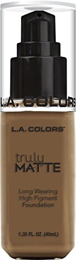 急速な億換気するL.A. COLORS Truly Matte Foundation - Cappuccino (並行輸入品)