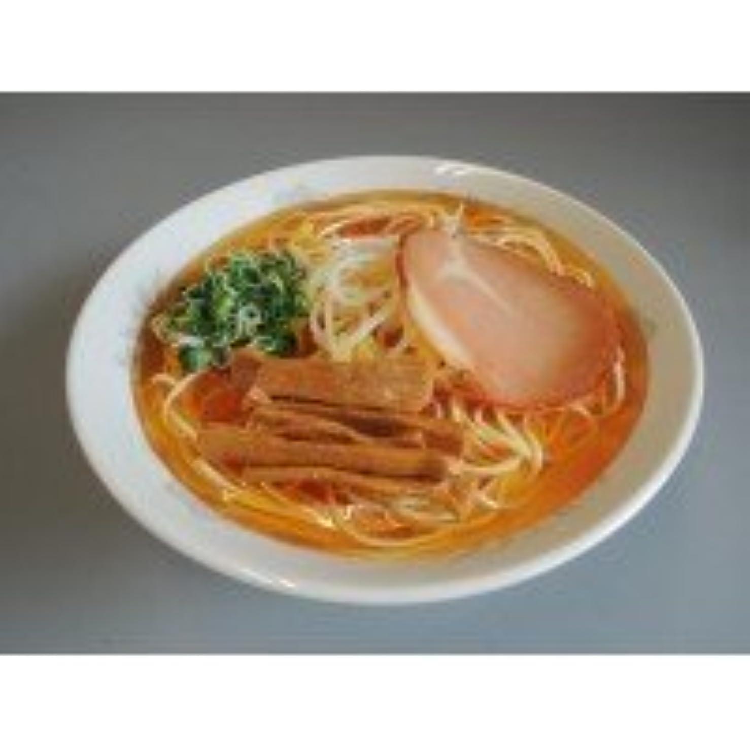 驚いたことに詩テーブルを設定する日本職人が作る 食品サンプル ラーメン IP-163