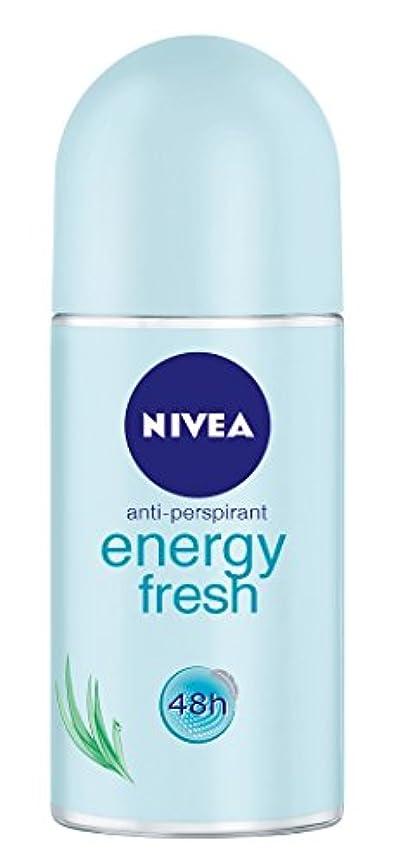 真空扱う歯Nivea Energy Fresh Anti-perspirant Deodorant Roll On for Women 50ml - ニベアエネルギー新鮮な制汗剤デオドラントロールオン女性のための50ml