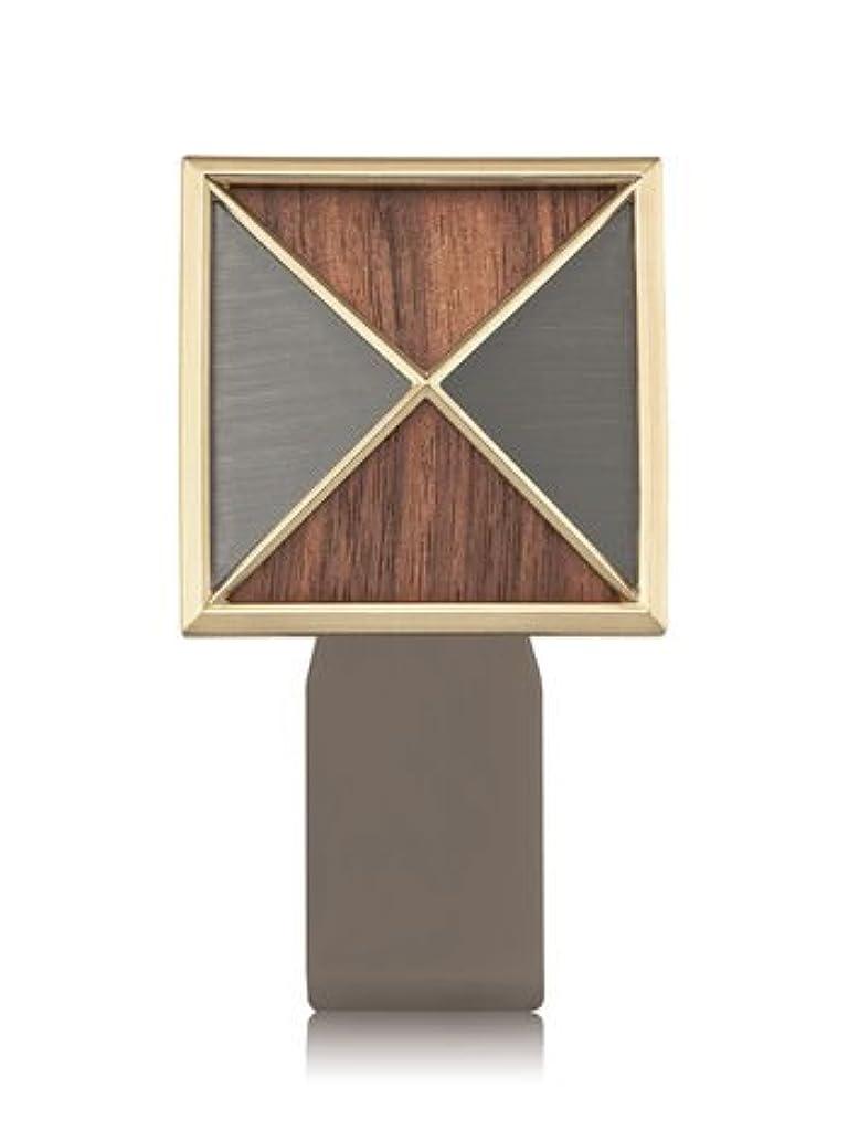 アウトドア達成する侮辱【Bath&Body Works/バス&ボディワークス】 ルームフレグランス プラグインスターター (本体のみ) テクスチャーシールド Wallflowers Fragrance Plug Textured Shield...