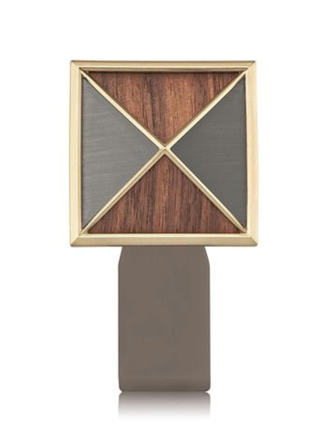 駐地歌詞配置【Bath&Body Works/バス&ボディワークス】 ルームフレグランス プラグインスターター (本体のみ) テクスチャーシールド Wallflowers Fragrance Plug Textured Shield...