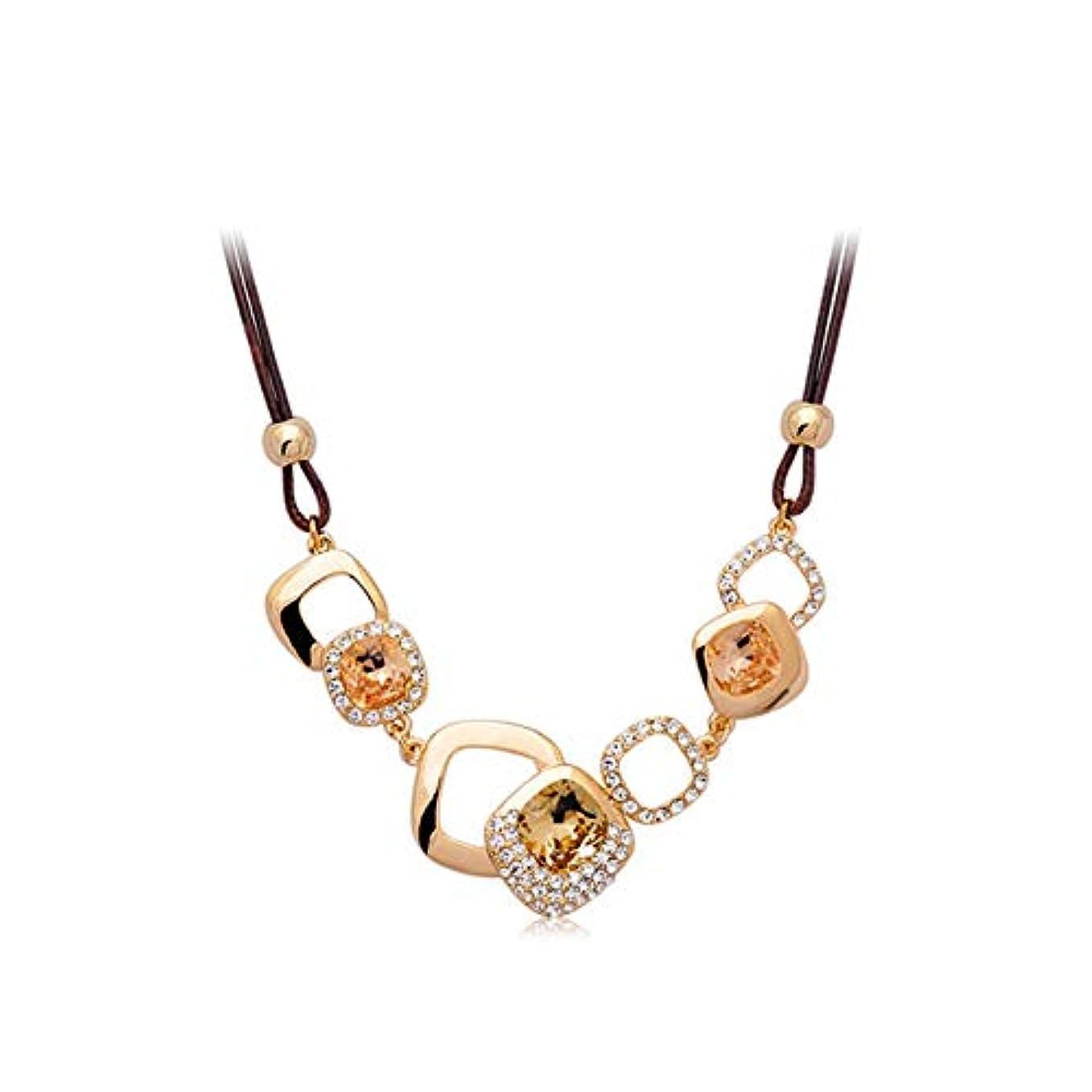ウェイトレス桃順応性のあるトレンディな輝く絶妙な鎖骨チェーン、シンプルなスクエア気質エレガントなレトロなファッション装飾的な短いセーターチェーン