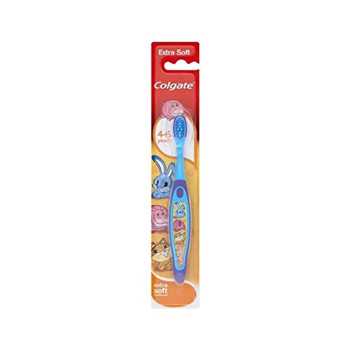 手伝うミスルアー4-6歳の歯ブラシを笑顔 (Colgate) (x 4) - Colgate Smiles 4-6 Years Old Toothbrush (Pack of 4) [並行輸入品]
