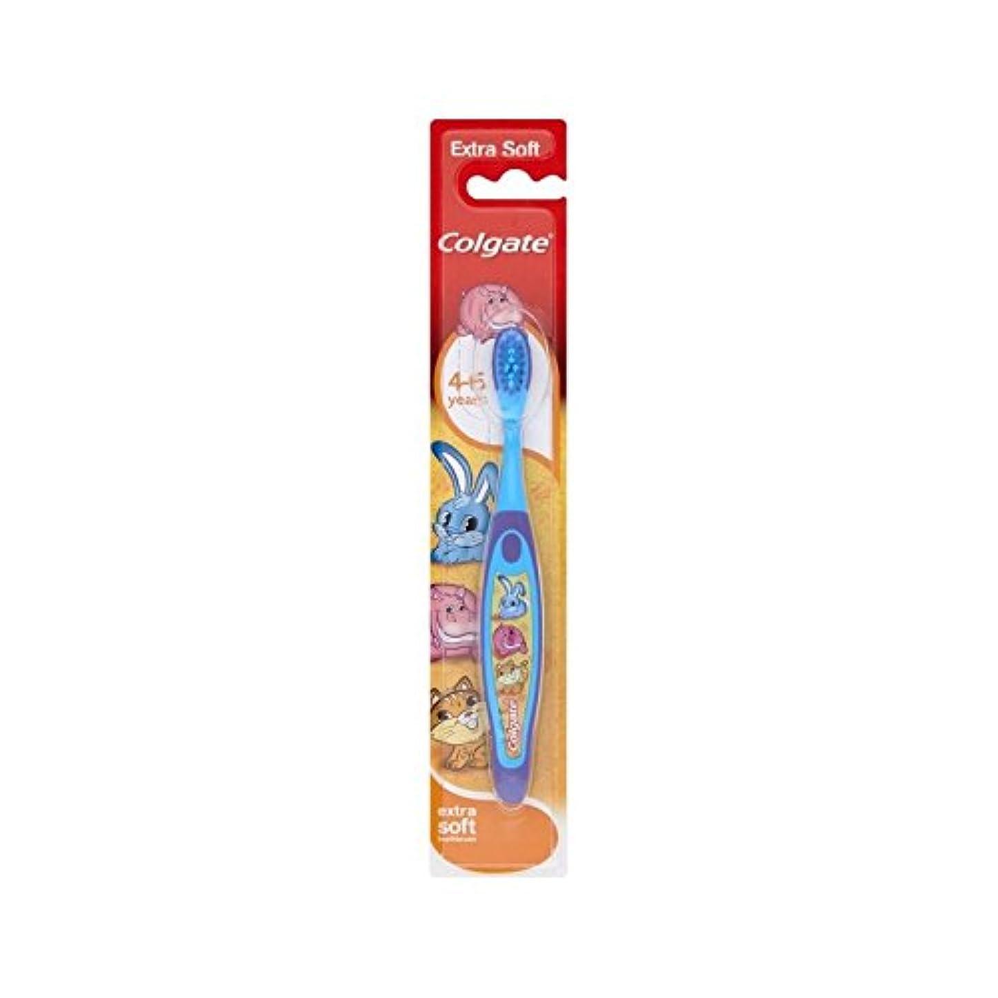 下手ゴールデン反逆者4-6歳の歯ブラシを笑顔 (Colgate) (x 6) - Colgate Smiles 4-6 Years Old Toothbrush (Pack of 6) [並行輸入品]