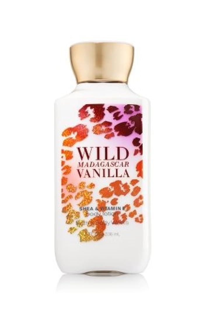 トラクター開いた忘れっぽいBath & Body Works Wild Madagascar Vanilla Body Lotion 8 Fl Oz. [並行輸入品]