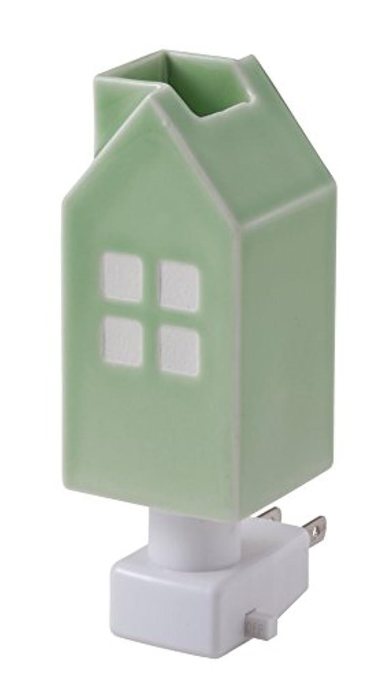 フラッシュのように素早く断片割れ目イシグロ デザイン小物 W4.8×D4.8×H13cm ハウスアロマライトコンセント型 ライトグリーン 20077