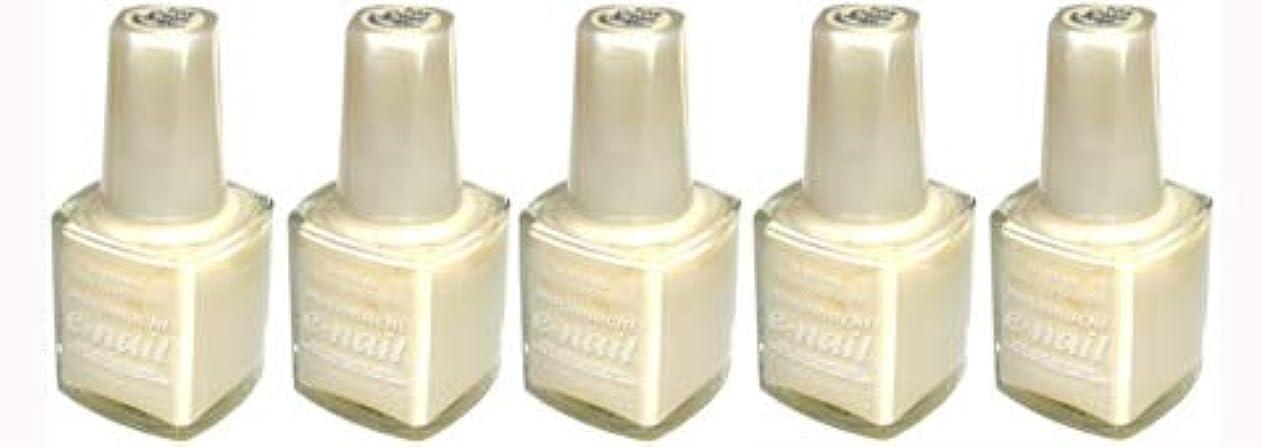 実際の哺乳類フェードe-nail ネイルラッカー #105 Cream Beige【5本???】