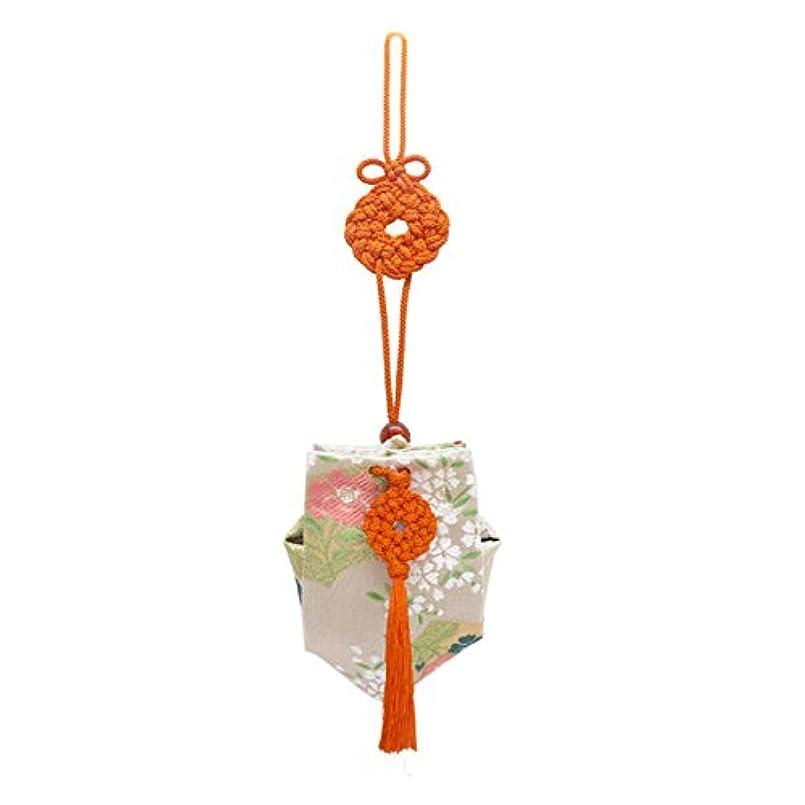 大砲関連する多様性訶梨勒 上品 紙箱入  朱紐/桜に扇面
