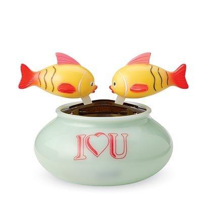 おもちゃ Solar Kissing Fish [並行輸入品]