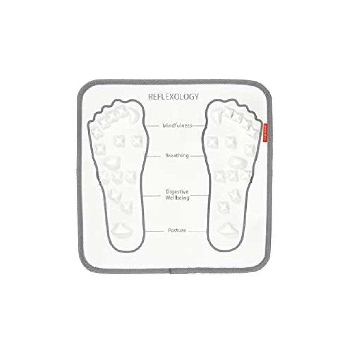 甘美な虫シニスKIKKERLAND デザイン小物 フットマッサージャーマット ホワイト W32×D32×H0.8cm KAR43
