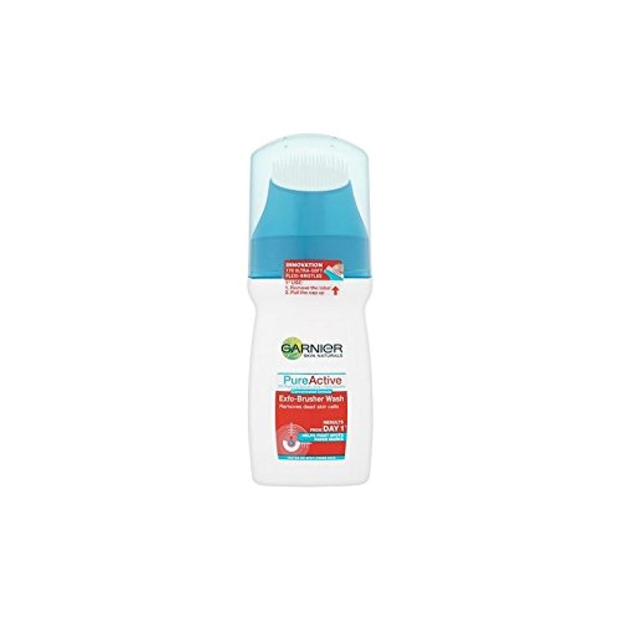 矩形照らすお風呂を持っているガルニエ純粋な活性-ブラッシャーの洗顔(150ミリリットル) x4 - Garnier Pure Active Exfo-Brusher Face Wash (150ml) (Pack of 4) [並行輸入品]