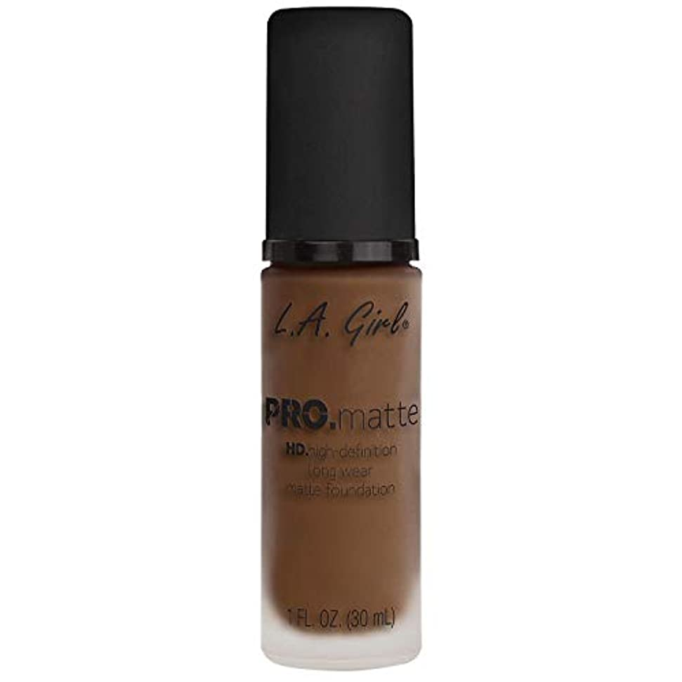 漏れ褐色没頭する(3 Pack) L.A. GIRL Pro Matte Foundation - Creamy Cocoa (並行輸入品)