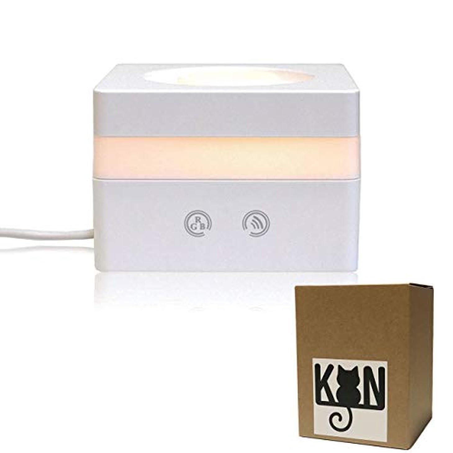 安心教会減衰KON アロマディフューザー 超音波式 アロマ加湿器 卓上 アロマ ムードランプ 七色変換LEDライト USB給電式 空焚き防止機能 卓上加湿器 キューブ型