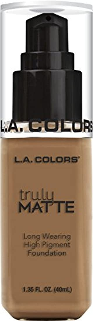 孤児リーク自我L.A. COLORS Truly Matte Foundation - Deep Tan (並行輸入品)
