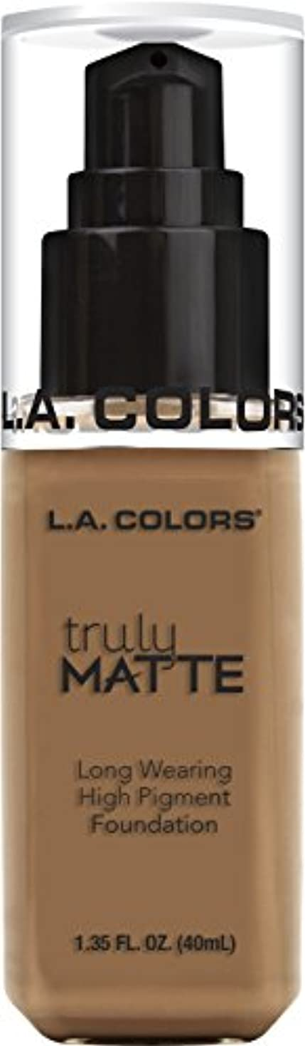 クレジット気配りのある予備L.A. COLORS Truly Matte Foundation - Deep Tan (並行輸入品)