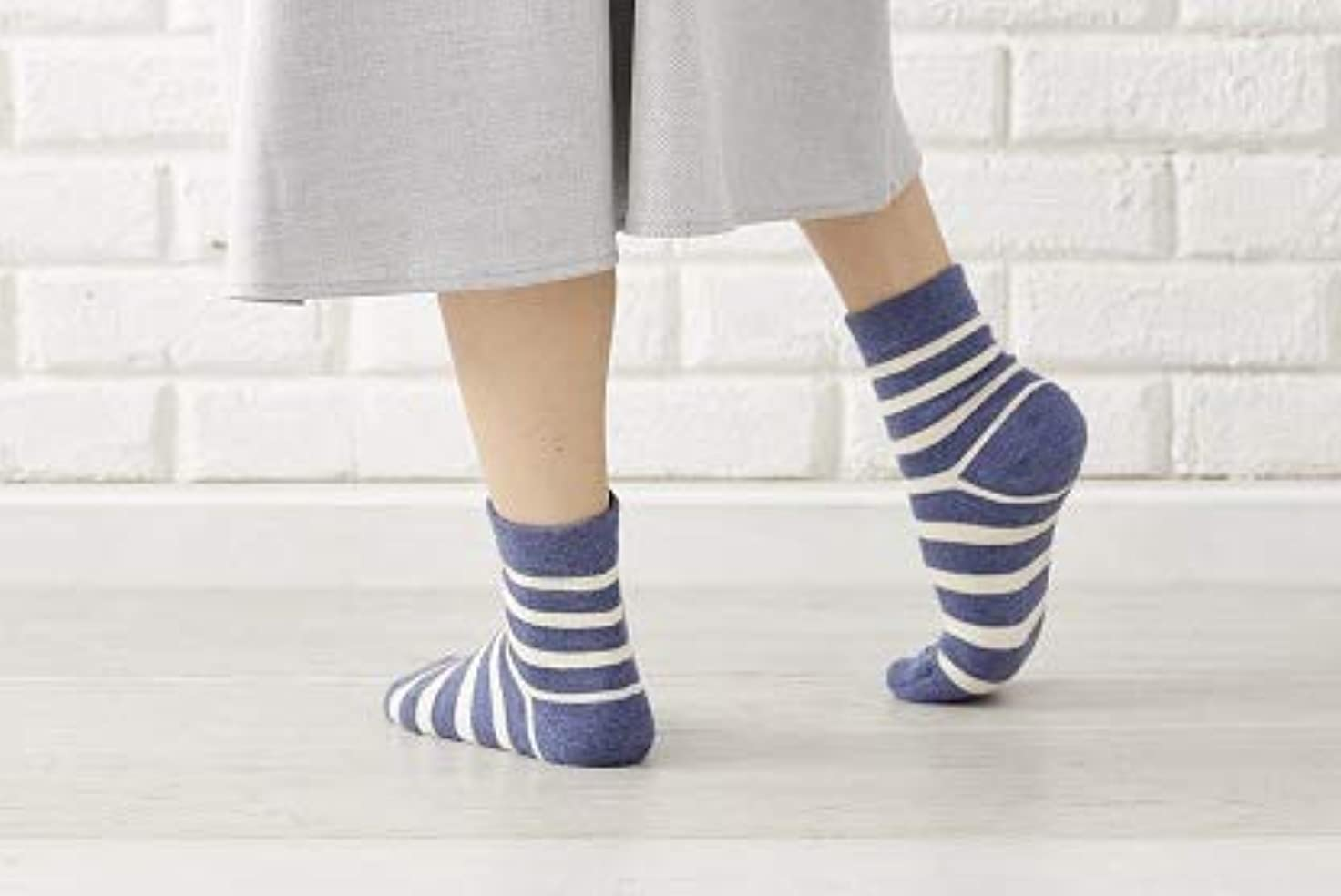 国歌情熱的排除するかかと 角質ケア ひび割れ対策 かかとツルツル靴下 人気ボーダー2色組 23-25cm 太陽ニット 716