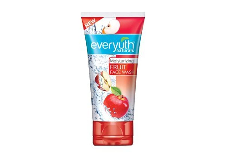 反抗フリル天のEveryuth Naturals Moisturizing Fruit Face Wash (50 g)