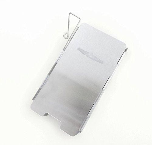 【simPLEISURE(シンプレジャー)】 ウインドシールド 風除板 風防 アウトドア・野外でのコンロやストーブ利用時の風よけ・火力補助に 携帯に便利な折りたたみ式 収納ポーチ(保護袋)付 アルミ製の軽量・コンパクト設計の防風板(ウインドスクリーン) キャンプ用ランタン BBQなどに 新設計のコンパクトタイプ(高さ135mm) 8枚タイプ シングルバーナーやポケットストーブに最適 qb100001a04
