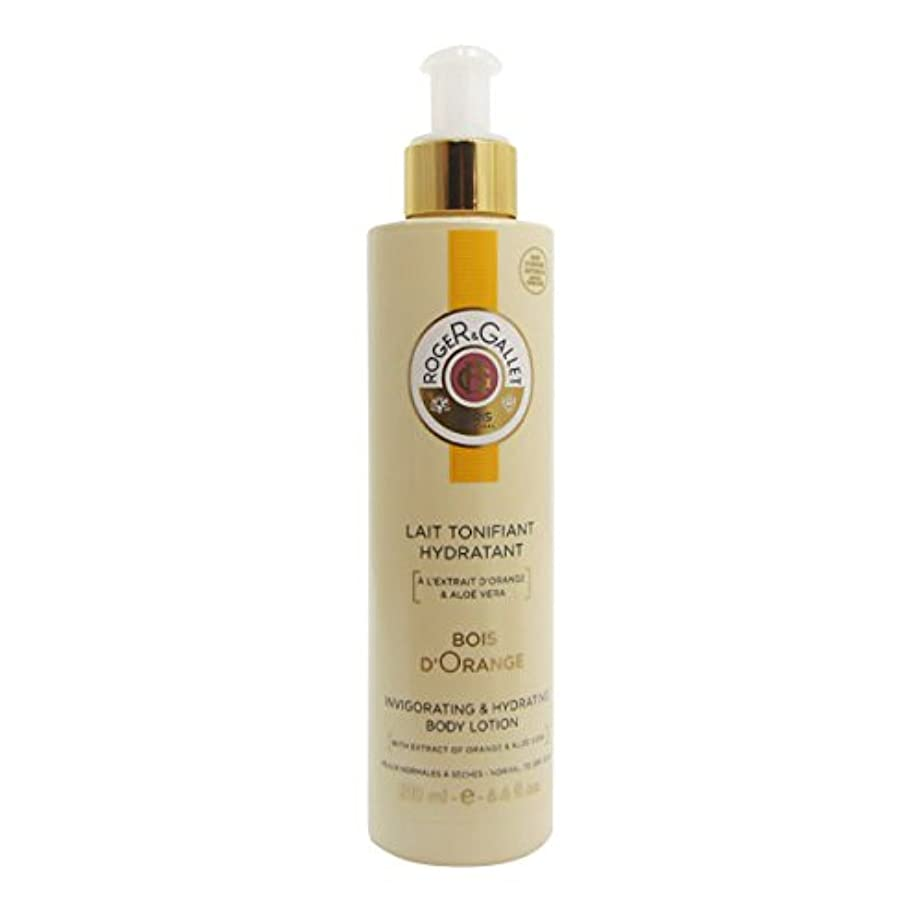 せっかち十億メイトRoger Gallet Bois D'orange Toning Moisturizing Milk 200ml [並行輸入品]