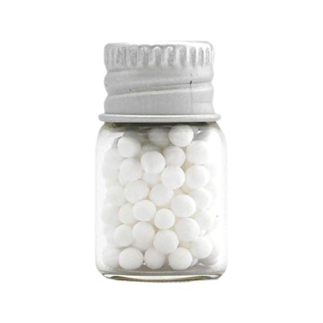 涙が出る正規化反射アロマ?エコビーズ(直径約2mm)0.5g 銀色フタ付きミニボトル入り 香りをしみこませることのできるアロマボール