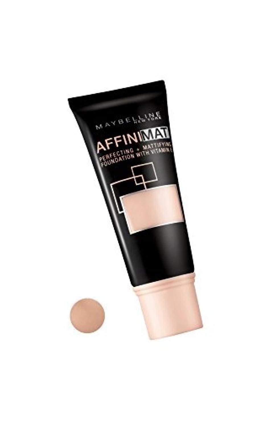 パック踊り子カルシウムMaybelline Affinimat Perfecting + Mattifying Foundation - 42 Dark Beige by Maybelline