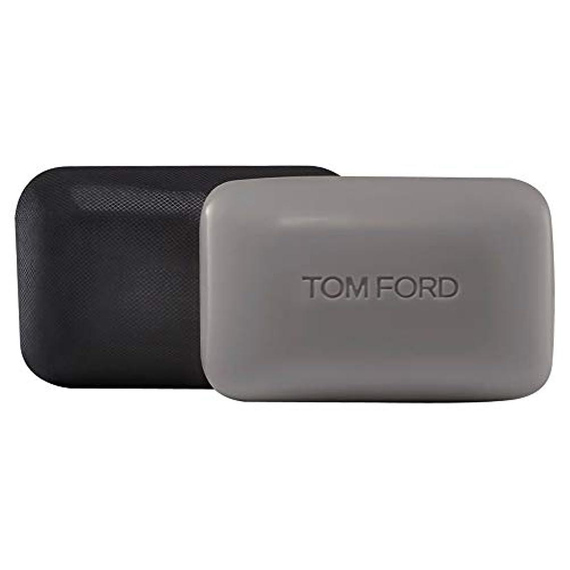 制約ハードリング団結[TOM FORD] トムフォードウードウッドソープバー150グラム - Tom Ford Oud Wood Soap Bar 150g [並行輸入品]