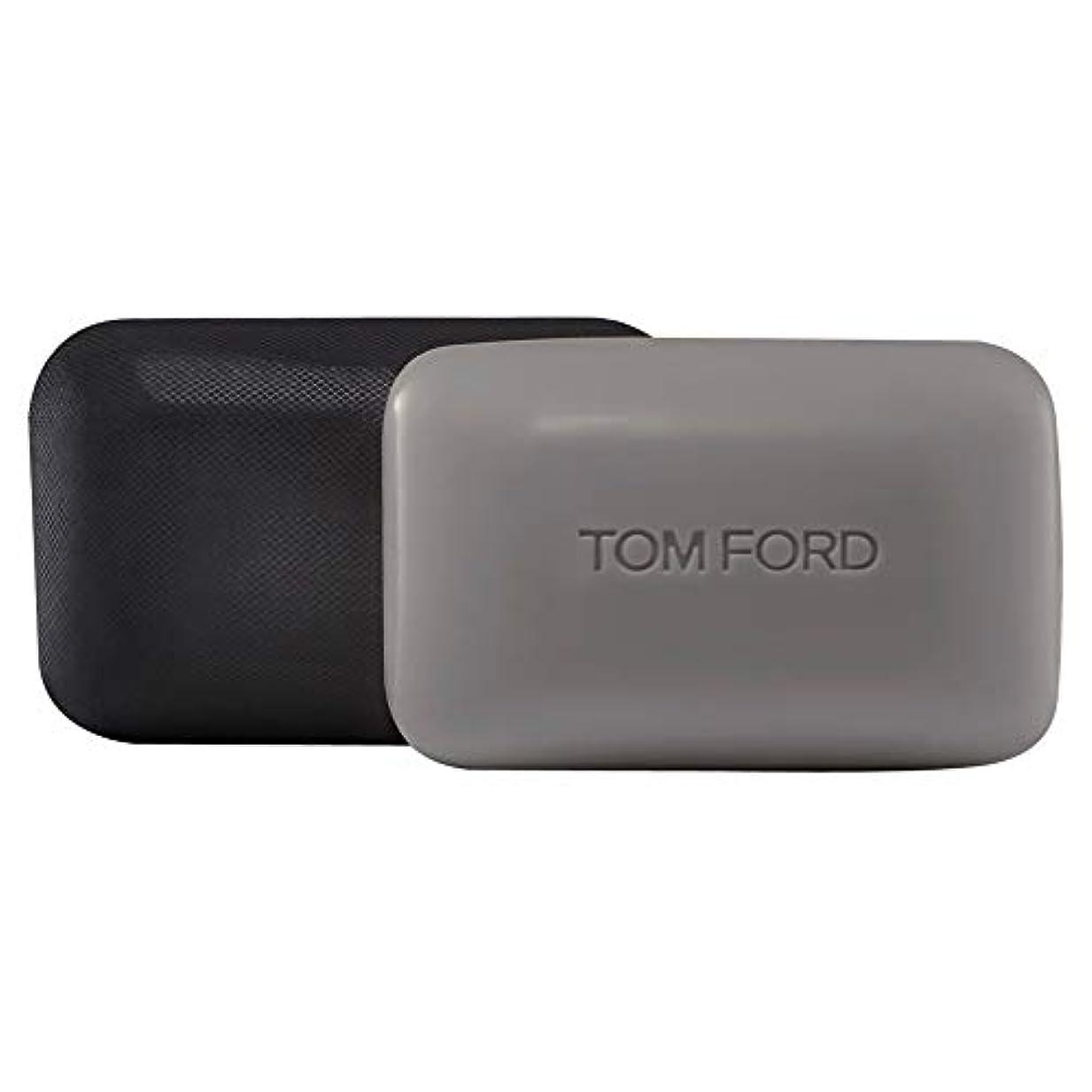 セーター速いライフル[TOM FORD] トムフォードウードウッドソープバー150グラム - Tom Ford Oud Wood Soap Bar 150g [並行輸入品]