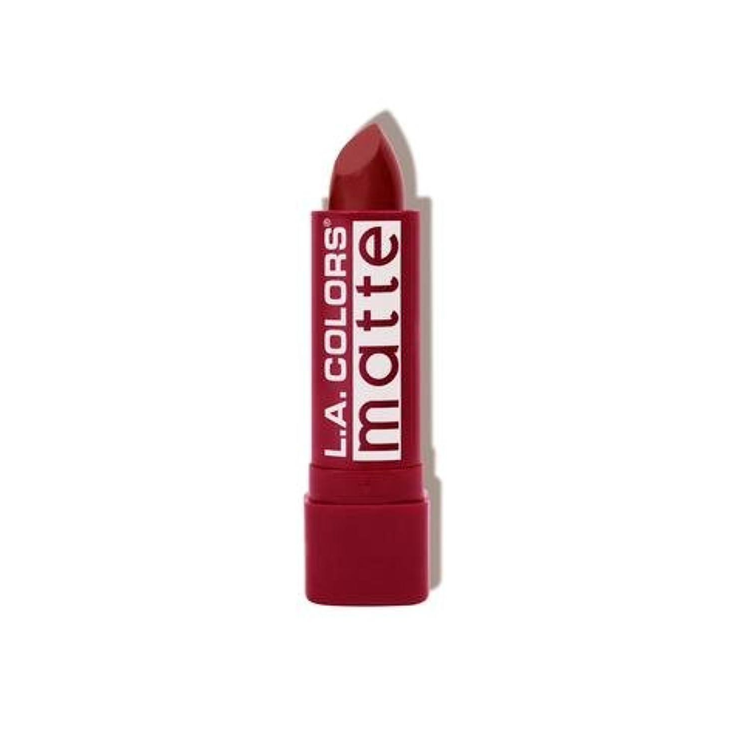 砂のコンパニオン急行する(3 Pack) L.A. COLORS Matte Lip Color - Strawberry (並行輸入品)