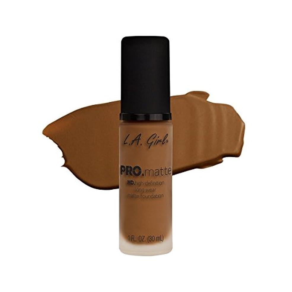 予感を通して鋼(3 Pack) L.A. GIRL Pro Matte Foundation - Nutmeg (並行輸入品)