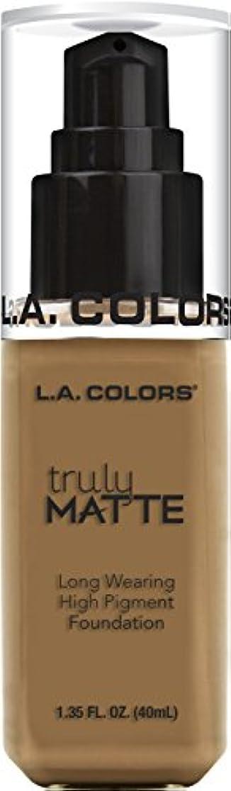 花火考古学修士号L.A. COLORS Truly Matte Foundation - Warm Caramel (並行輸入品)