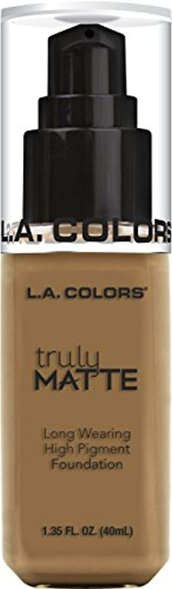 勇気軸に負けるL.A. COLORS Truly Matte Foundation - Warm Caramel (並行輸入品)