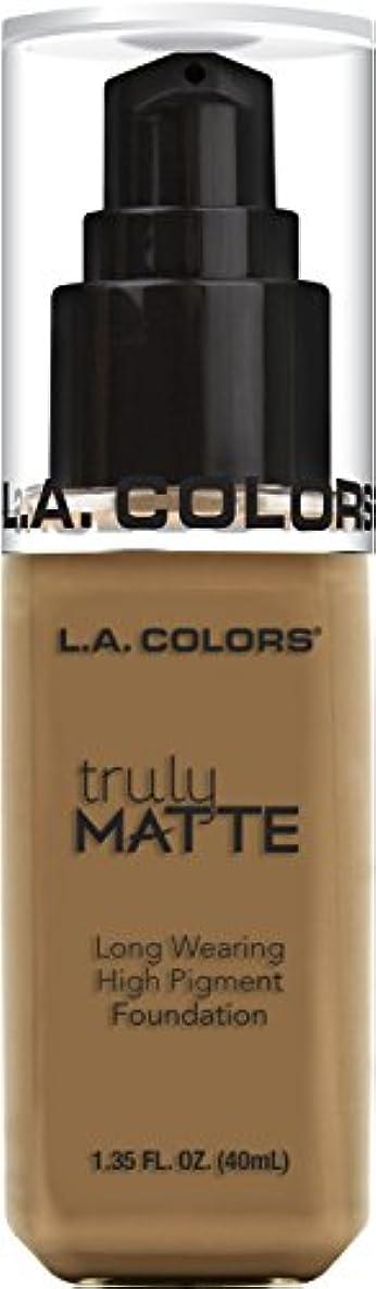 負担に対処する宿題をするL.A. COLORS Truly Matte Foundation - Warm Caramel (並行輸入品)