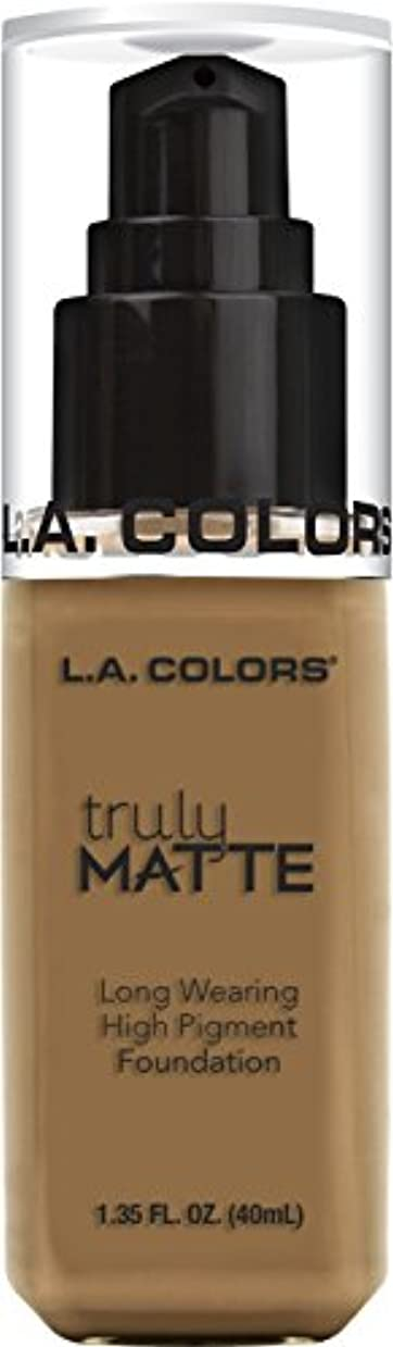 フリースインスタント言い換えるとL.A. COLORS Truly Matte Foundation - Warm Caramel (並行輸入品)