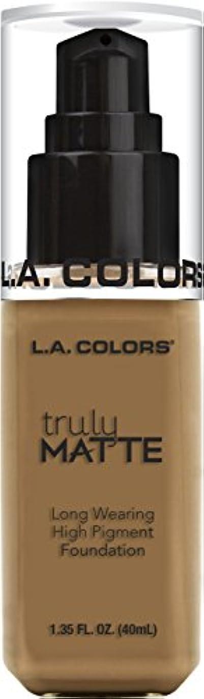 六分儀彼自身高尚なL.A. COLORS Truly Matte Foundation - Warm Caramel (並行輸入品)