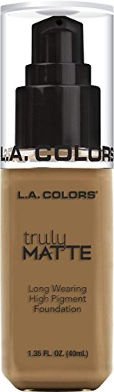 雇った申し立てられた性別L.A. COLORS Truly Matte Foundation - Warm Caramel (並行輸入品)
