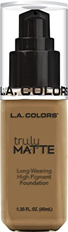 放射性数通常L.A. COLORS Truly Matte Foundation - Warm Caramel (並行輸入品)