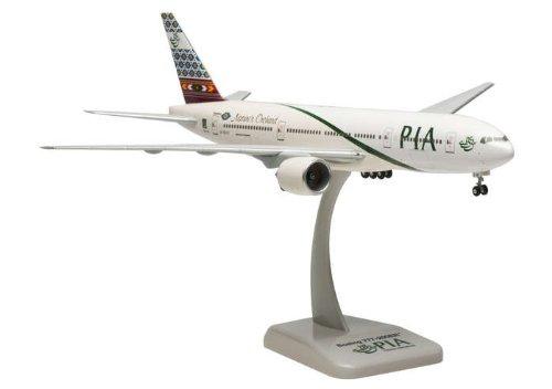1: 200 ホーガンウィングス Pakistan インターナショナル ボーイング 777-200ER with Landing Gear (並行輸入)