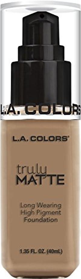樹皮呼び出す中毒L.A. COLORS Truly Matte Foundation - Cool Beige (並行輸入品)