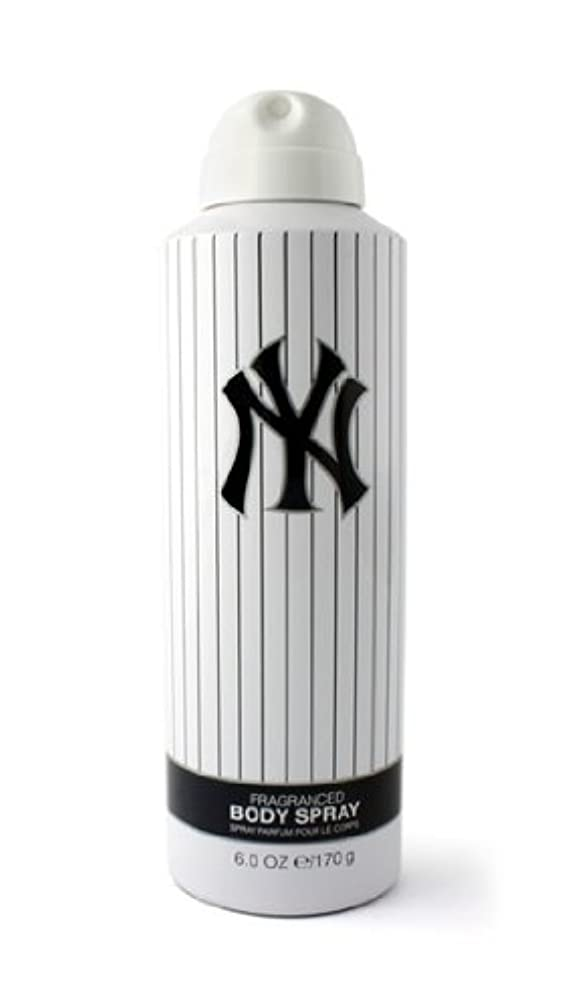 幼児逮捕テーブルNew York Yankees (ニューヨーク ヤンキース) 6.0 oz (180ml) Body Spray by New York Yankees for Men