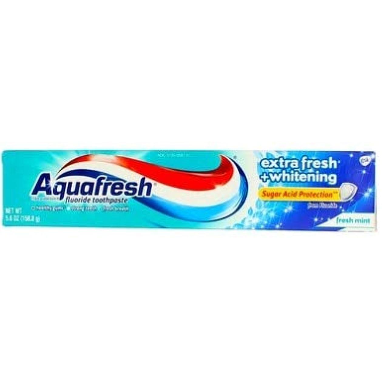 国内の手がかりバケットAqua Fresh アクアフレッシュフッ化物歯磨き粉のエクストラフレッシュホワイトニング - 5.6オンス、2のパック