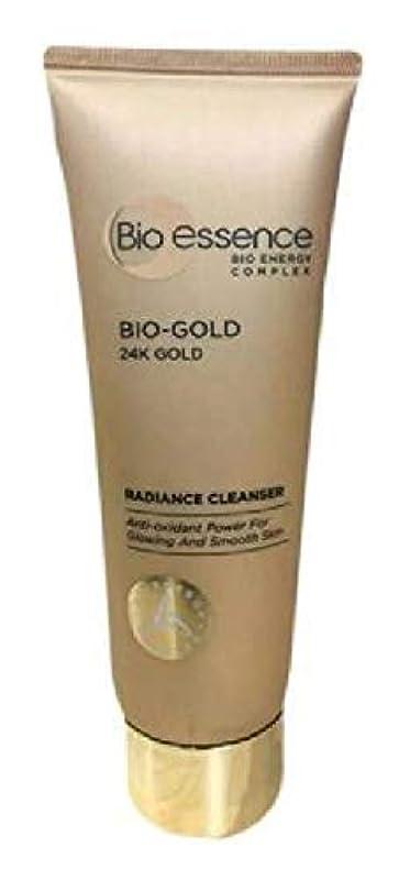 流暢黒くするさらにBio-Essence バイオゴールド輝きクレンザー100ミリリットル豊富な、細かな泡が肌に最も優しいクレンジングを与えます