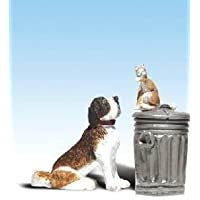 Woodland Scenics A2524 G Scale Dog w/Cat On Trashcan by Woodland Scenics [並行輸入品]